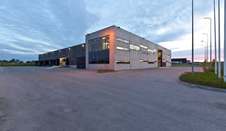 Warehouse and office building of Elmaks